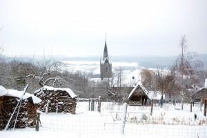 L'église au milieu de la neige